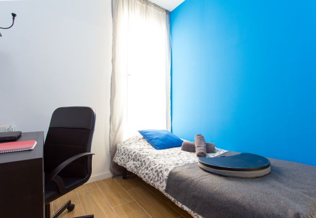 Rent by room in Barcelona - Enamorats Residence H2