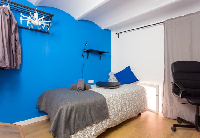 Rent by room in Barcelona - Enamorats Residence H6