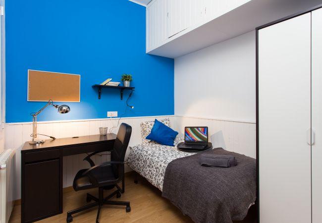 Rent by room in Barcelona - Entença Residence H2
