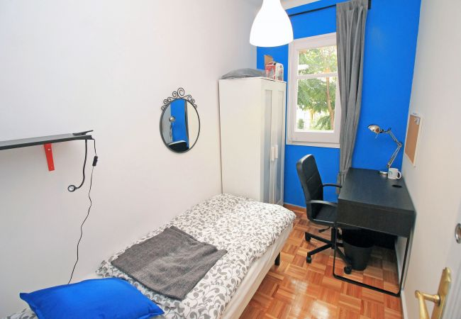Rent by room in Barcelona - San Pau Residence H1