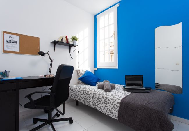 Rent by room in Barcelona - Urgell Residence H1