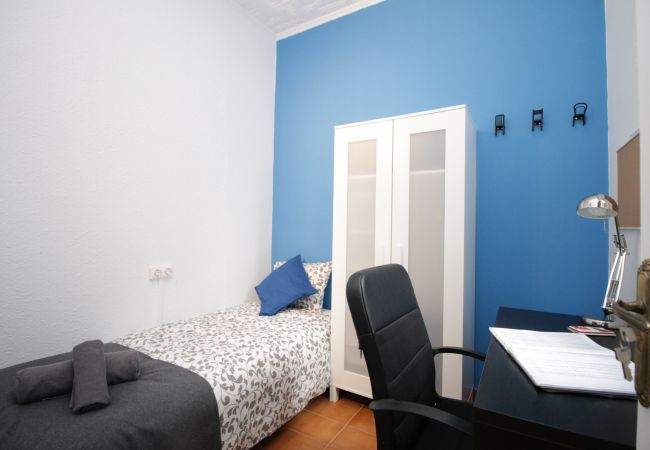 Rent by room in Barcelona - Encants Residence H3